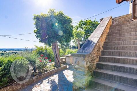 Cortona, Arezzo, Tuscany. 2 bedroom country house for sale