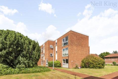 Highland Court, South Woodford, London E18. 2 bedroom apartment