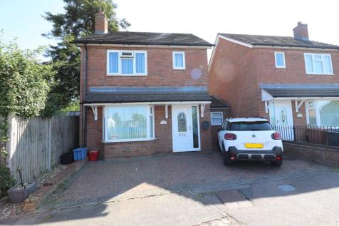 Hellards Road, Stevenage, Hertfordshire, SG1. 3 bedroom link detached house for sale