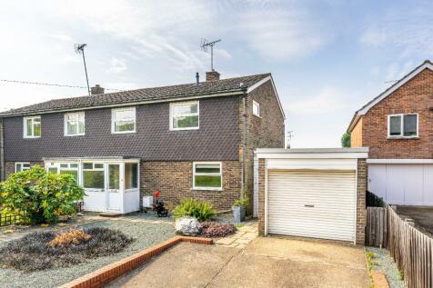 Fishers Green Road, Stevenage, Hertfordshire, SG1. 3 bedroom semi-detached house