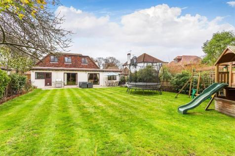 Charlton Avenue, Hersham, Walton-On-Thames. 3 bedroom house for sale