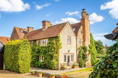 Old Place Lane, Westhampnett, Chichester. 5 bedroom house