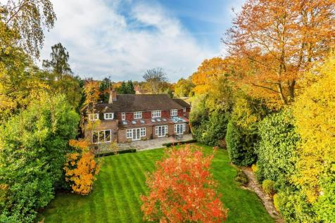 Cobbetts Hill, Weybridge. 5 bedroom house for sale