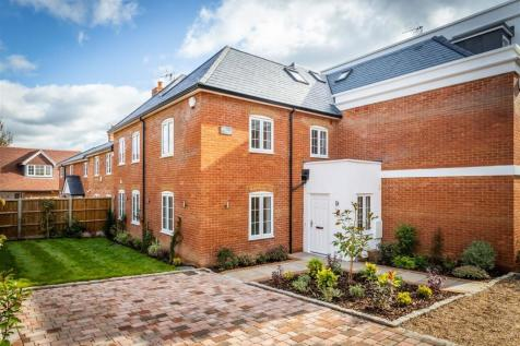 Woking Road, Jacob's Well, Guildford. 4 bedroom house for sale