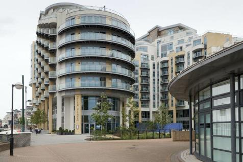 Vicentia Court, Battersea, SW11. 3 bedroom flat