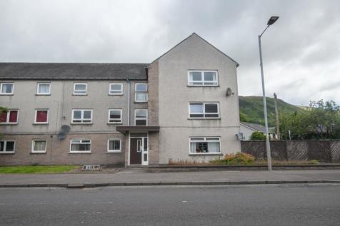 44A High Street, T, FK13 6AE. 2 bedroom flat