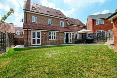 SKIPPS MEADOW, BUNTINGFORD. 5 bedroom detached house