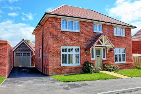 Hensby Avenue, Buntingford. 4 bedroom detached house