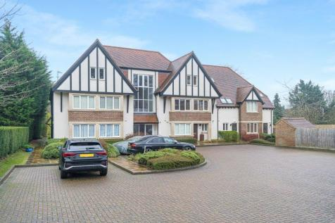 Lincombe Lodge, Fox Lane, Boars Hill, OX1. 3 bedroom apartment for sale