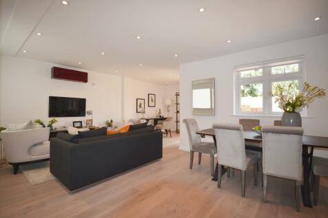 Waldeck Road, London, W13. 2 bedroom bungalow