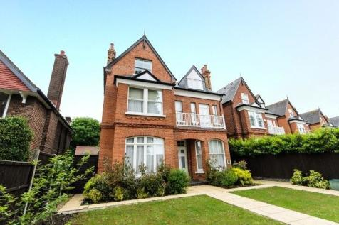 Helena Road, London, W5. 2 bedroom flat