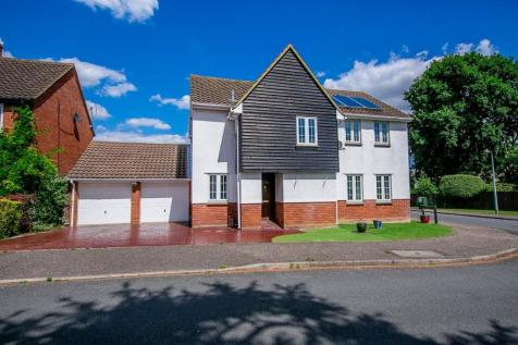 Augustus Way, Witham, CM8. 5 bedroom detached house