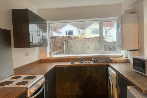Marlborough Road, Swansea, Wales, SA2. 5 bedroom terraced house
