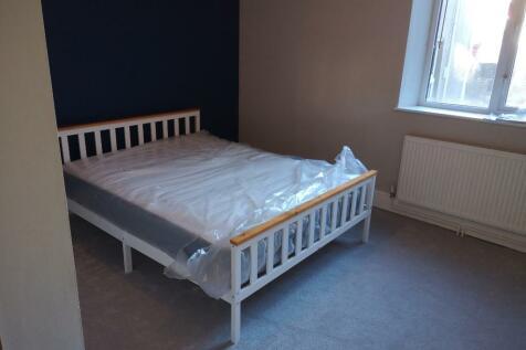Bryn Road, Swansea, Wales, SA2. 3 bedroom flat