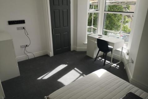 Uplands Crescent, Swansea, Wales, SA2. 1 bedroom flat