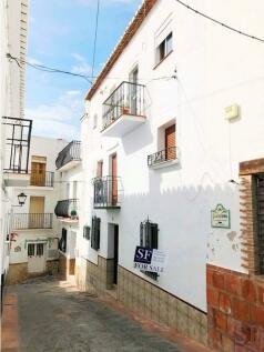 Andalucia, Malaga, Sayalonga. 4 bedroom town house for sale