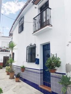 Andalucia, Malaga, Torrox. 3 bedroom town house for sale