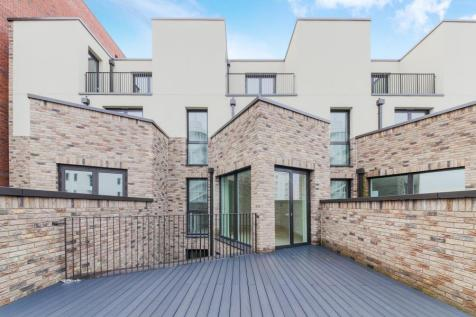 Starboard Way, Royal Wharf, London, E16. 4 bedroom terraced house for sale