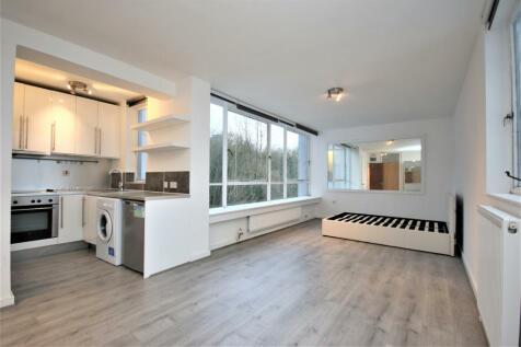 Avenue Road, N6 5DS. 1 bedroom apartment