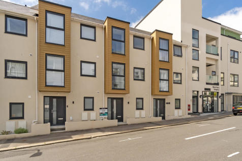Pier 15, Pier Street, West Hoe, Plymouth, PL1 3BS. 4 bedroom town house