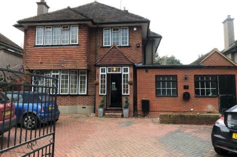 Gravel Hill, Croydon, Surrey, CR0. 5 bedroom semi-detached house for sale