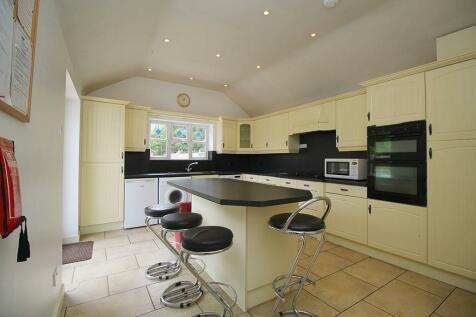 Alan Moss Road, Loughborough, LE11. 5 bedroom house