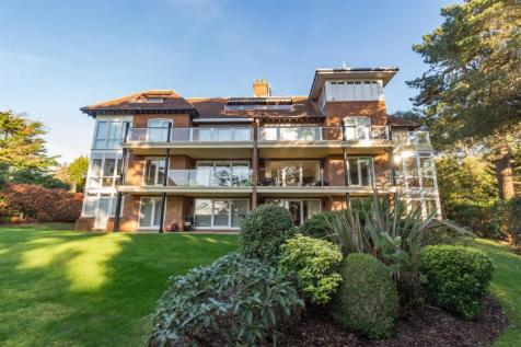 Nairn Road, Canford Cliffs. 3 bedroom apartment