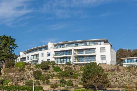 Westminster Road, Branksome Beach. 4 bedroom penthouse