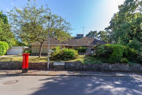 Tower Road West, Branksome Park. 3 bedroom detached bungalow