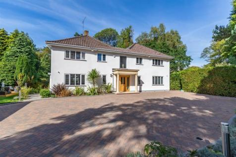 De Mauley Road, Canford Cliffs. 4 bedroom detached house