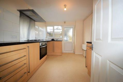 Charles Close, Purbrook. 3 bedroom terraced house