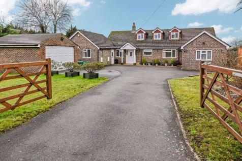 Five Heads Road, Horndean. 5 bedroom detached house for sale