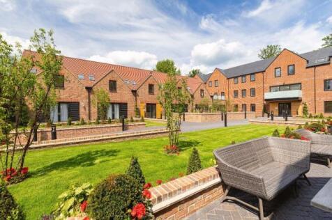 Southdown Road, Harpenden,  Hertfordshire  AL5 1PE. 3 bedroom apartment for sale