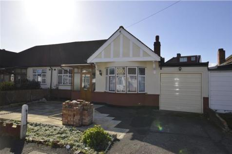 Hammond Avenue, Mitcham, Surrey, CR4, London - Terraced Bungalow / 3 bedroom terraced bungalow for sale / £330,000