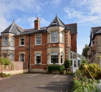 South Road, Taunton. 5 bedroom semi-detached house for sale