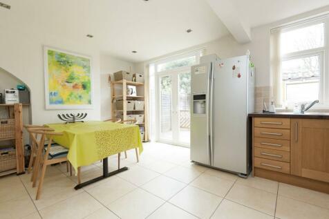 Longley Avenue, Alperton, Wembley, HA0. 3 bedroom house