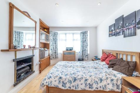Rugby Avenue, Wembley, HA0. 2 bedroom detached house