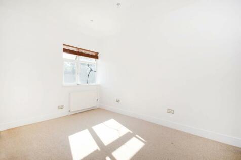 Elms Lane, North Wembley, Wembley, HA0. 2 bedroom flat