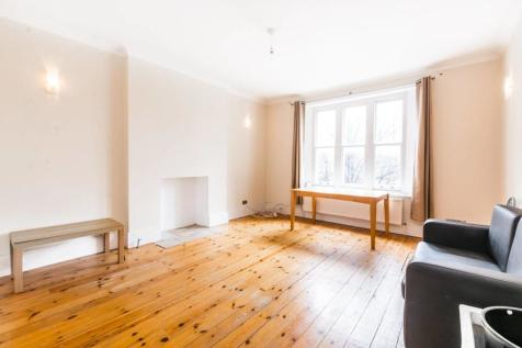St James Court, N18, Edmonton, London, N18. 2 bedroom flat