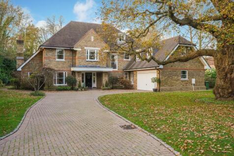 Broadwater Road South, Hersham, Walton-on-Thames, Surrey, KT12. 6 bedroom detached house for sale