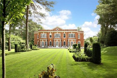 East Road, St George's Hill, Weybridge, Surrey, KT13. 6 bedroom detached house