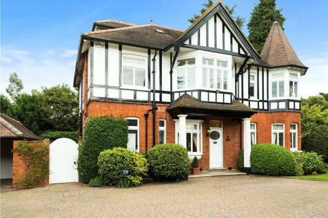 Castle Road, Weybridge, Surrey, KT13. 5 bedroom detached house for sale