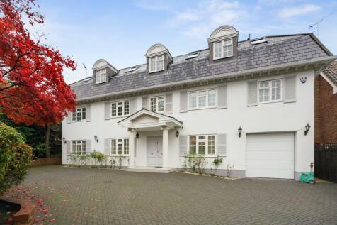 Old Avenue, Weybridge, Surrey, KT13. 4 bedroom detached house for sale