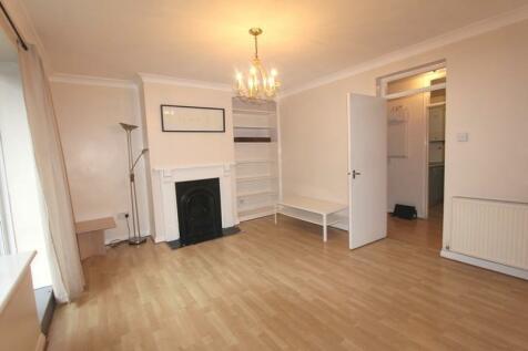 Beaconsfield Close, Blackheath SE3. 2 bedroom flat