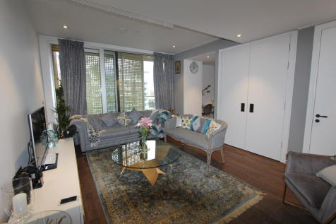 Aurora Gardens, Battersea SW11. 1 bedroom flat