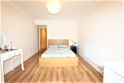 Gladwyn Road, Putney SW15. 1 bedroom flat share