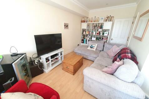 Fontenoy Road, Balham SW12. 2 bedroom flat