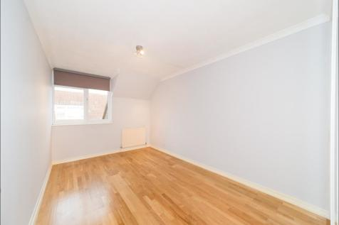 McCall close, Stockwell SW4. 1 bedroom flat share