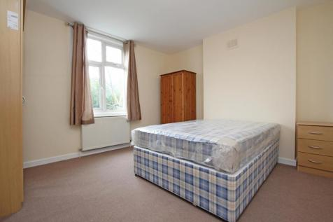 Atwater close, Tulse Hill SW2. 1 bedroom flat share