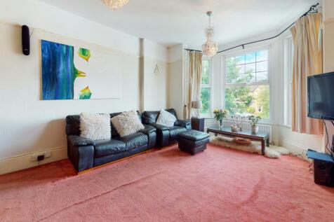 Trewsbury Road, London. 4 bedroom flat for sale